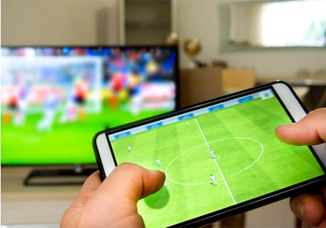 Fussballspiel auf Tablet