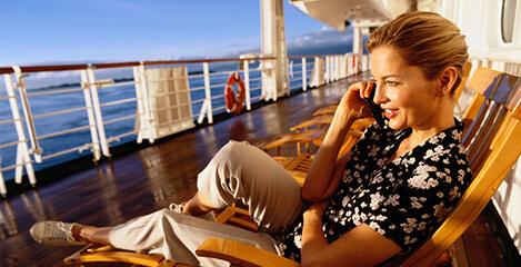 Handynutzung auf Kreuzfahrtschiffen und Fähren - wo lauern die Kostenfallen?