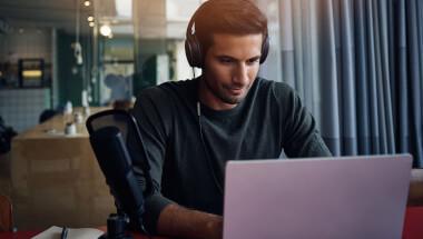 Beliebte Apps und Plattformen für Hörbücher, Hörspiele und Podcasts