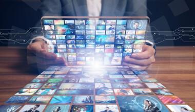 Hörbücher und Podcasts über große Streaming-Plattformen hören