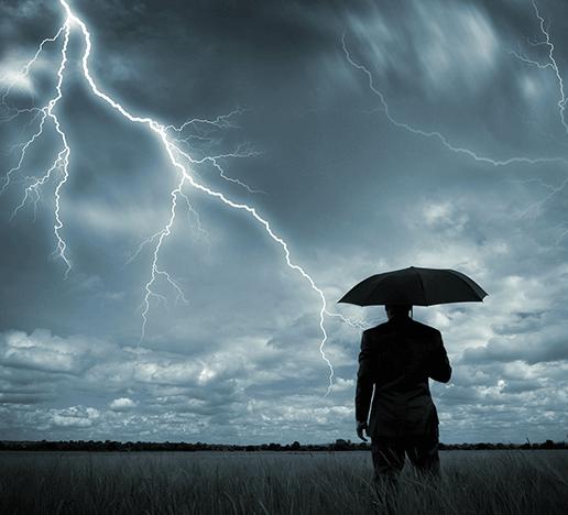 Ist das Blitzeinschlag Risiko mit Handy höher?