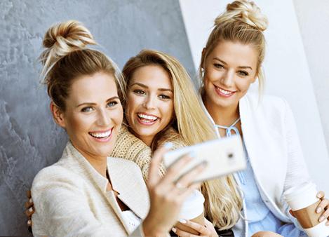 Neue Freunde mit den gleichen Interessen via soziales Netzwerk finden