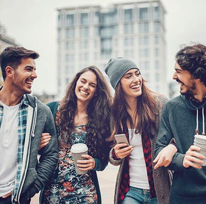 Über welchen Weg kommuniziert man mit seinen Freunden?