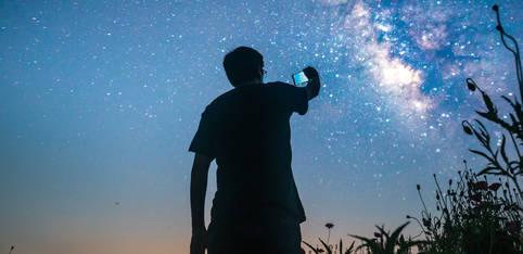 Galaktisches Wissen per Apps aufs Smartphone