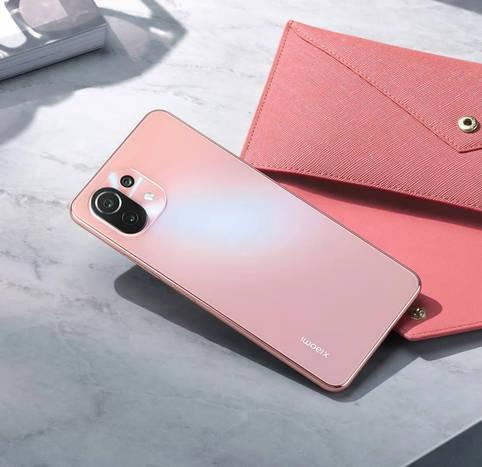 Die Rückseite des Smartphones ist gut gegen Fingerabdrücke geschützt
